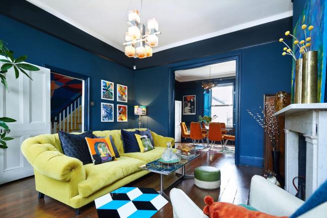 Оформление комнаты для приема гостей в стиле эклектика