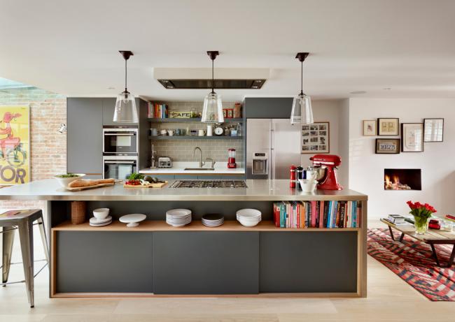 Фасады кухонной мебели в сером цвете помогут подчеркнуть стиль контемпорари