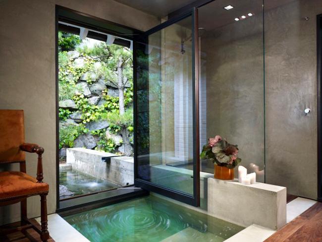 Одноместная ванная с гидромассажем в эко стиле