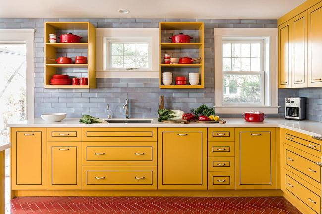 Насыщенные цвета сделают кухню главной изюминкой дома