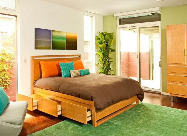 Двуспальная кровать - обязательный элемент спальни