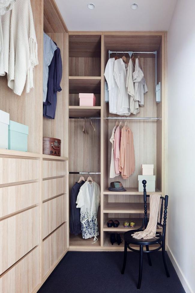Функциональная и компактная мебель в узком помещении