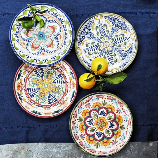 Яркие расписные тарелки