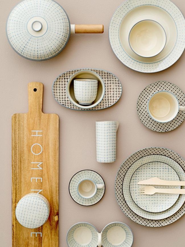 Благодаря современному ассортименту можно выбрать удобную, качественную и красивую посуду, а также кухонные