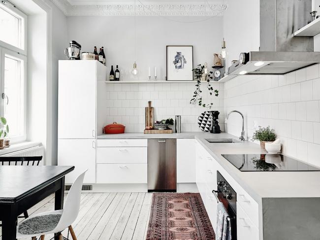 Белоснежный скандинавский стиль в малогабаритном помещении
