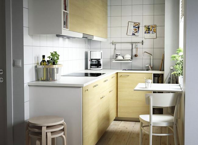 Серия Тингсрид от IKEA хорошо смотрится на маленькой кухне