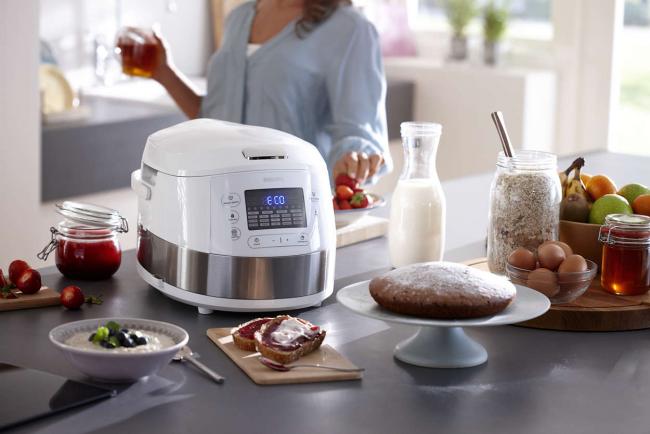 Phillips Viva Collection Multicooker HD4731/70 может варить, жарить, тушить, печь и даже готовить диетические блюда на пару
