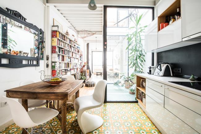 Плитка с ярким рисунком поможет сделать вашу кухню неотразимой