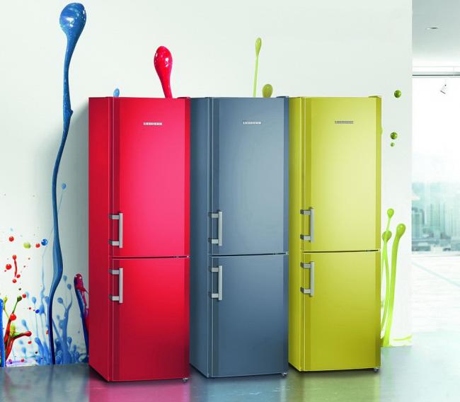Яркий холодильник украсит любую кухню