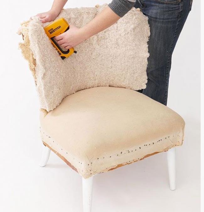 Даже если у стула не было мягкой спинки ее можно создать