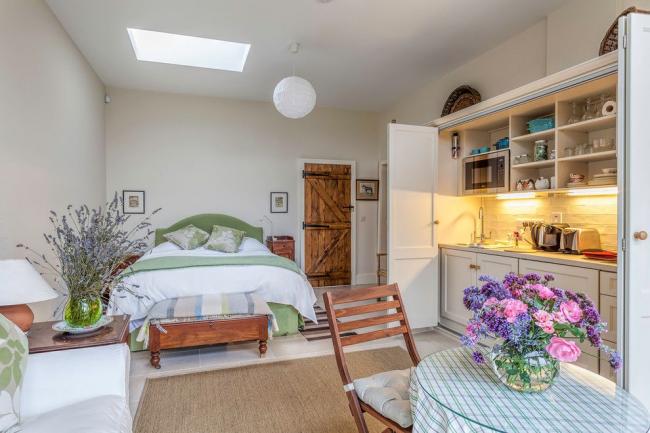 Отличный вариант интерьера в прованском стиле для небольшой квартиры