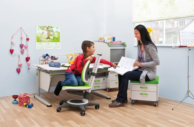 Ортопедическое кресло будет очень комфортно для детей разных возрастов