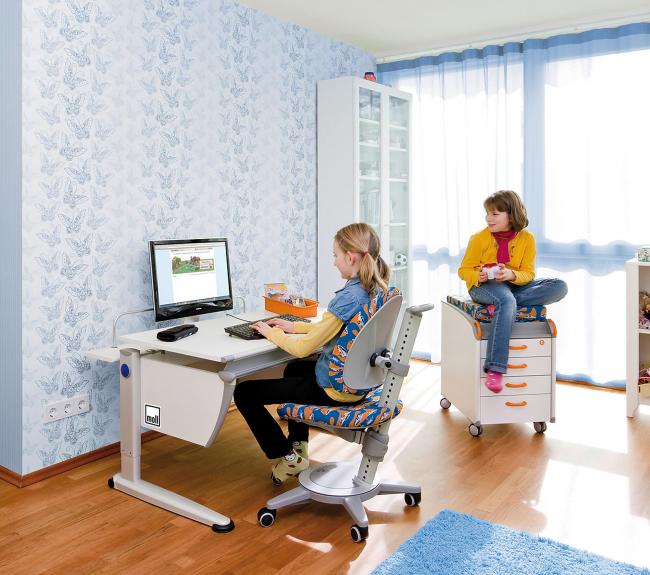 Ортопедическое детское кресло поможет ребенку всегда правильно держать спину