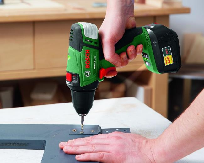 Шуруповерт поможет сэкономить время и силы при проведении ремонтных работ, а также работ по сборке оборудования и мебели