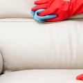 Чистый дом без хлопот: как быстро почистить диван от грязи, пятен и запаха в домашних условиях? фото