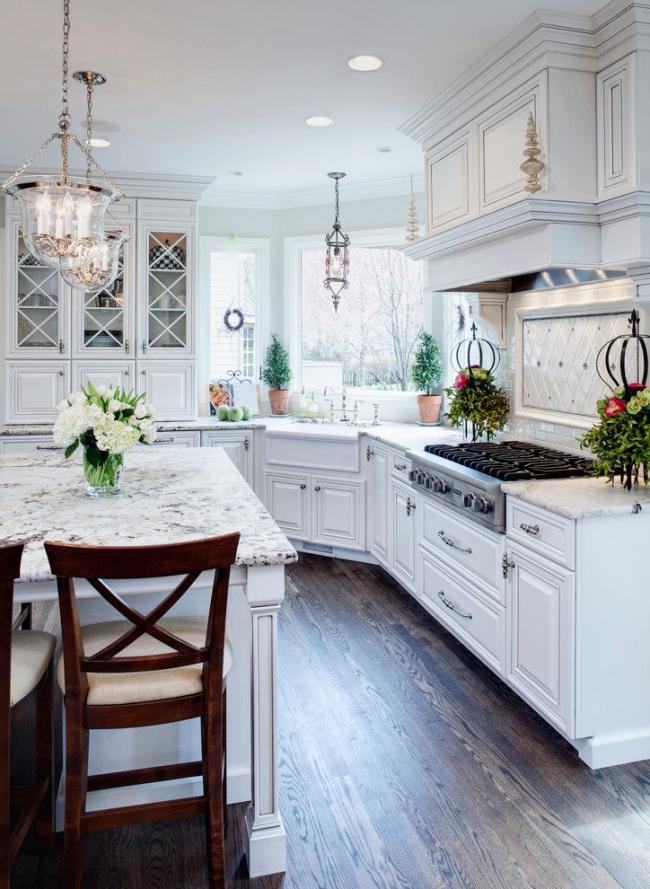 Комфортное и функциональное решение расстановки кухонной мебели