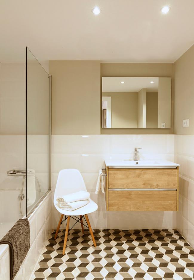 Ванная комната с интерьером в скандинавском стиле, оформленная в бежевом цвете
