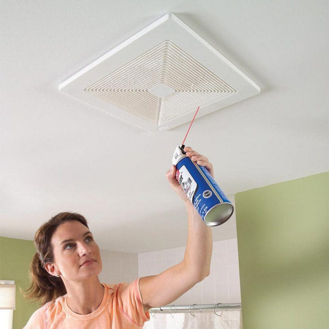 Периодически необходимо проводить чистку вентиляционной решетки