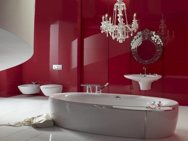 Роскошный интерьер с красными глянцевыми стенами