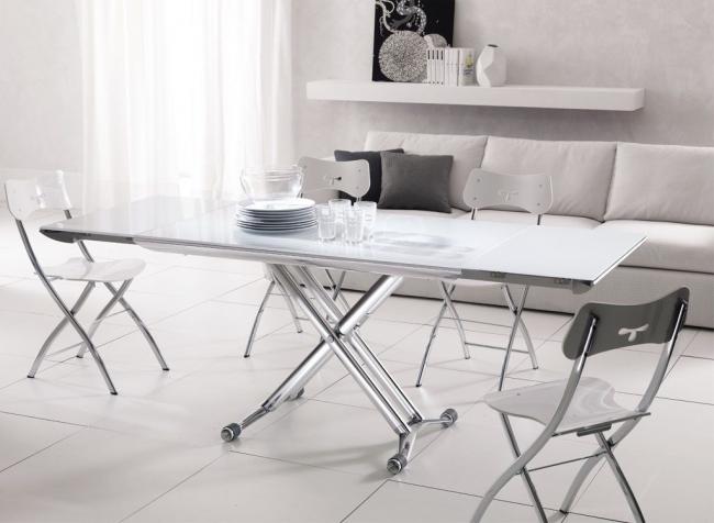 Практичная мебель в интерьере в стиле минимализм