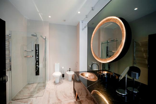В просторном помещении можно себе позволить установку дополнительной сантехники