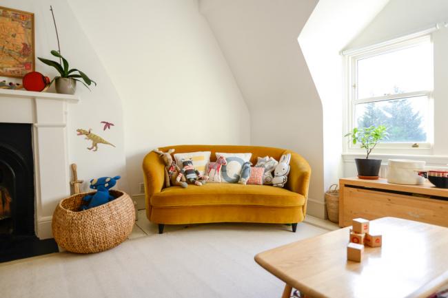 Отличным дополнением к практичности детского дивана будет комфорт, удобство и, самое главное – пространство