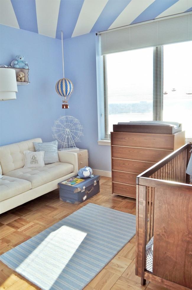 Классический стиль кожаного дивана создаст уют и комфорт в детской комнате
