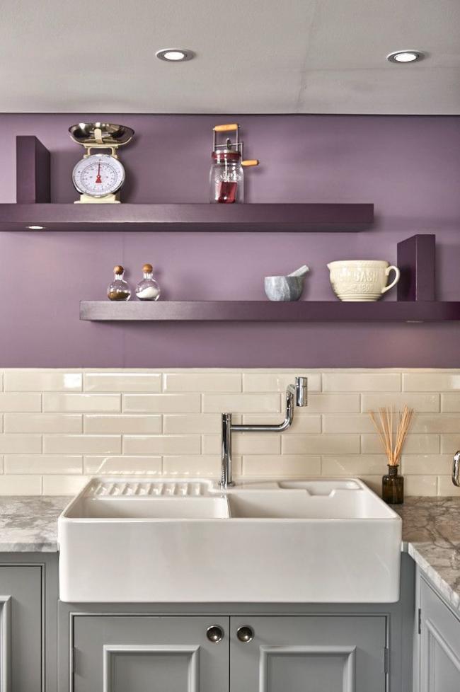 Теплый домашний интерьер, где идеально сочетаются беж, серый и глициниевый