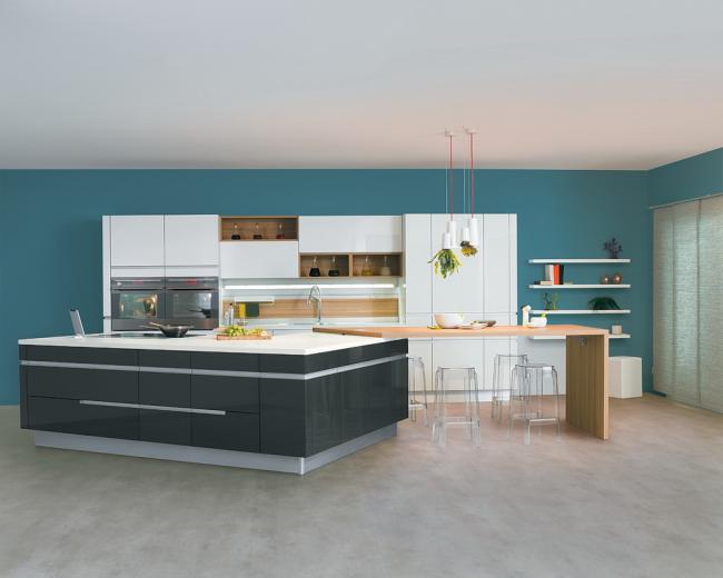 Просторная кухня - мечта хозяйки