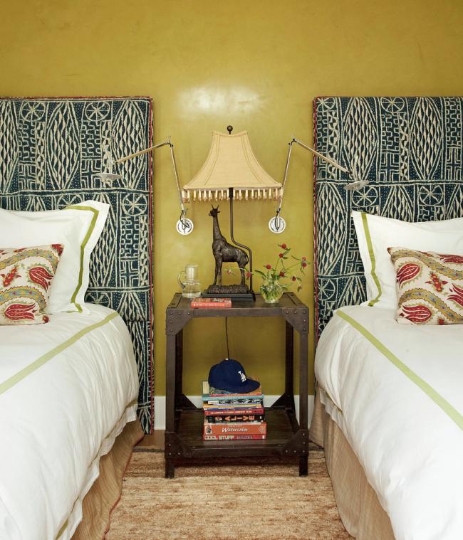 Красивый интерьер спальни, оформленный в стиле ампир