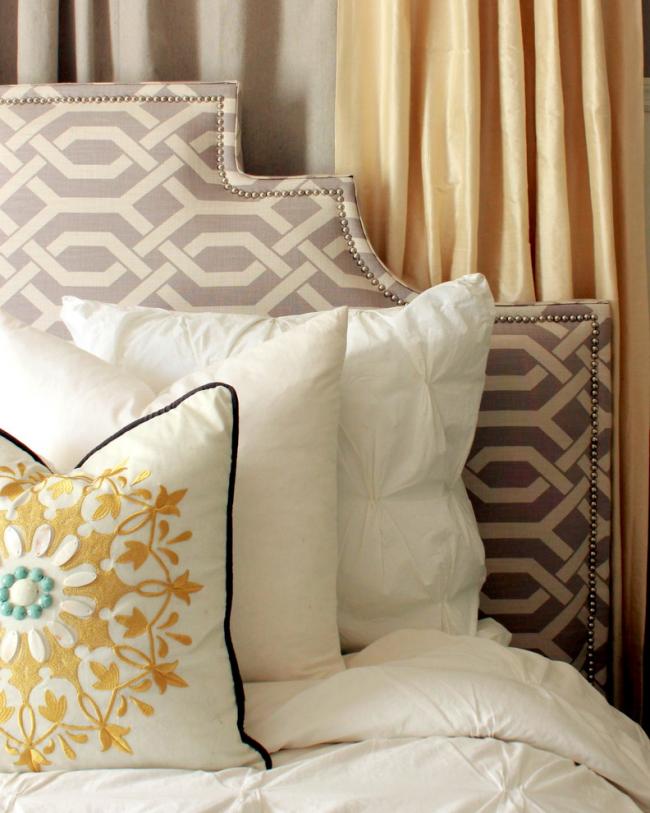 Стильное изголовье делает красивой не только кровать, но и комнату в целом