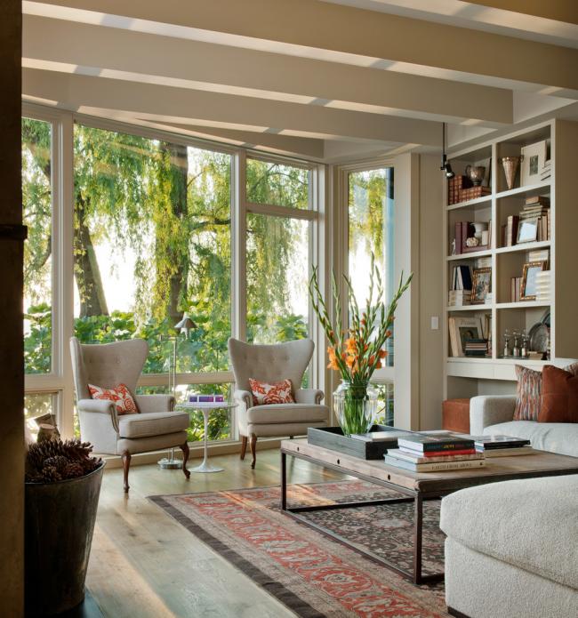 Дизайн гостиной в бежевом цвете в классическом стиле