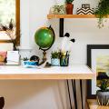 Маленький компьютерный стол (65 фото): лучшие компактные решения при небольшом бюджете фото