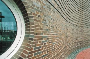 В гармонии с декором строительной керамики