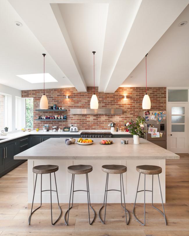 Изделия из бетона отличаются водостойкостью и теплостойкостью