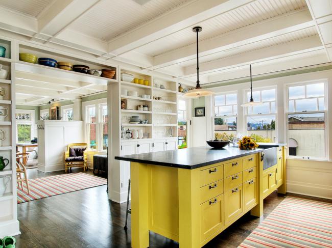 Мебель желтого цвета смотрится очень эффектно