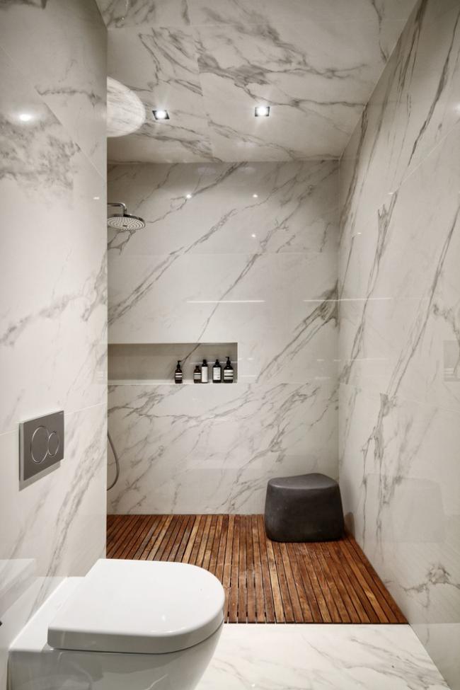 Отделка интерьера ванной комнаты с помощью мраморных плит