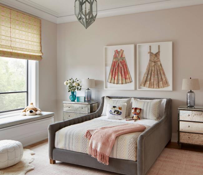 Для оформления небольших комнат лучше подойдут светлые тона