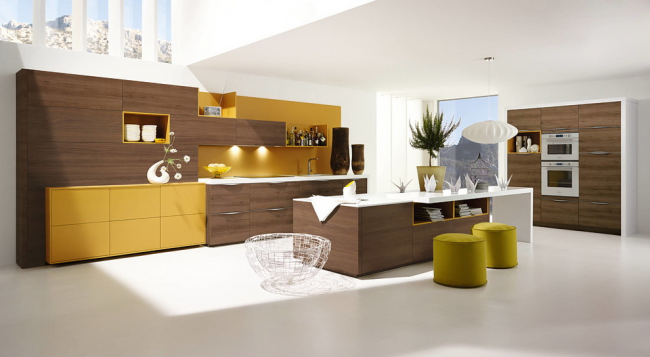 Интересная просторная кухня от Alno