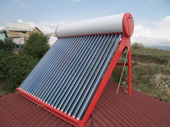 Солнечные коллекторы чаще всего устанавливают на крыше