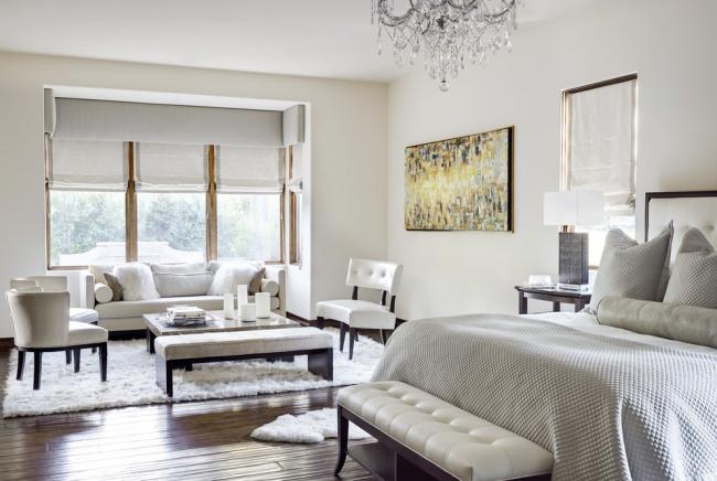 Самый простой способ сделать комнату контрастнее – это выбрать пол из натурального дерева