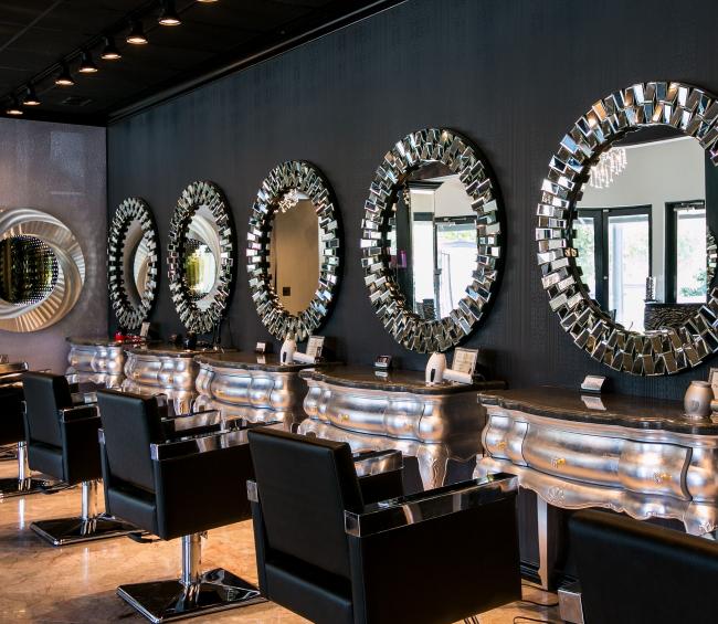 В основе интерьера каждого салона красоты должны быть заложены главные три правила – функциональность, практичность и комфорт