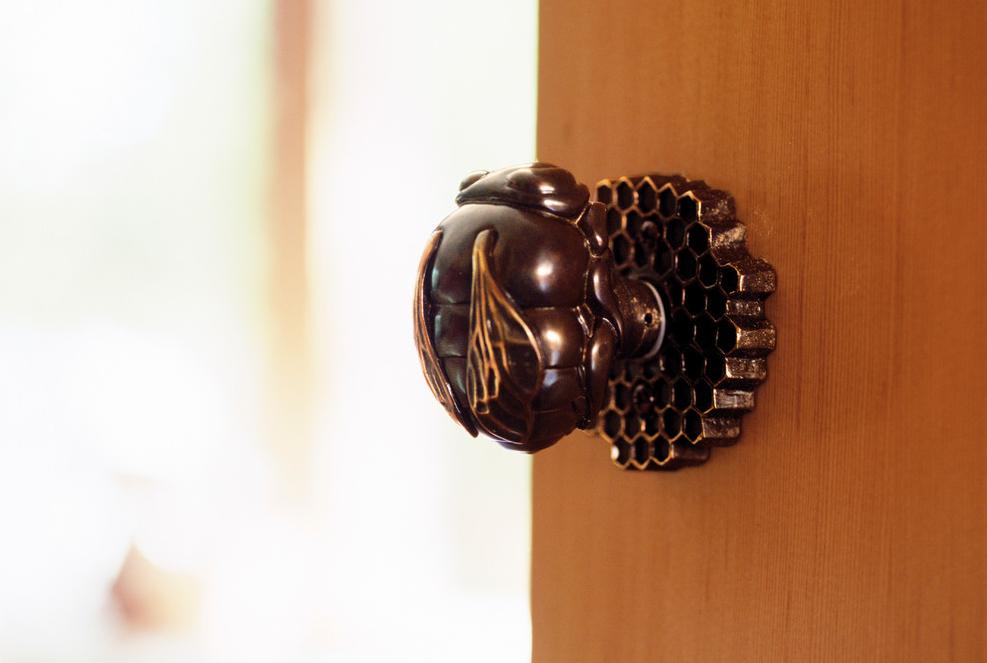 Шикарная дверная ручка ручной работы
