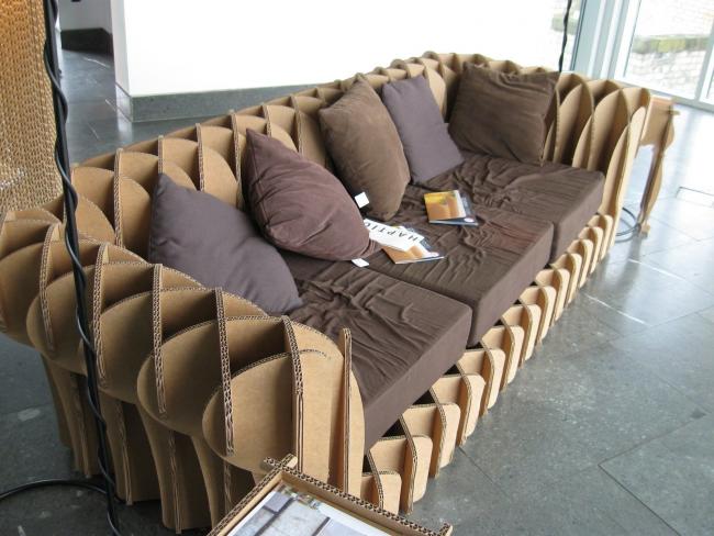 Идея дивана из подручных материалов
