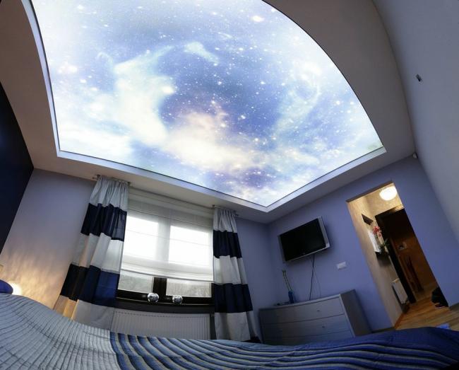 Шикарный парящий потолок с имитацией звездного неба
