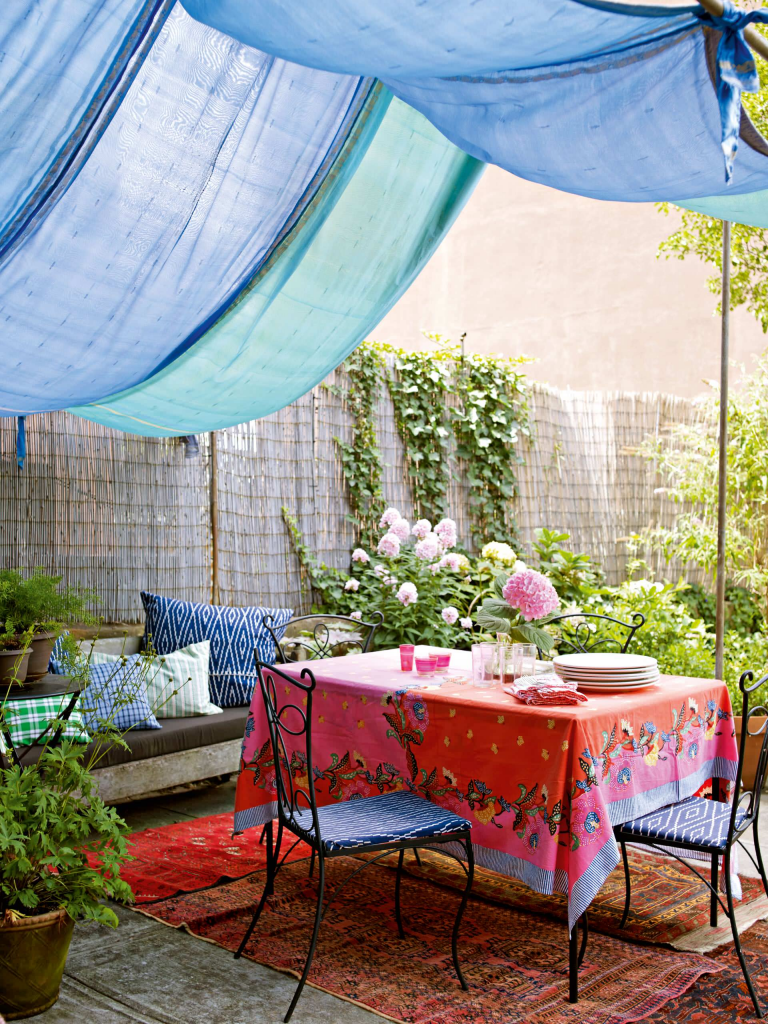Cиликоновая скатерть на стол: 70 стильных и практичных вариантов