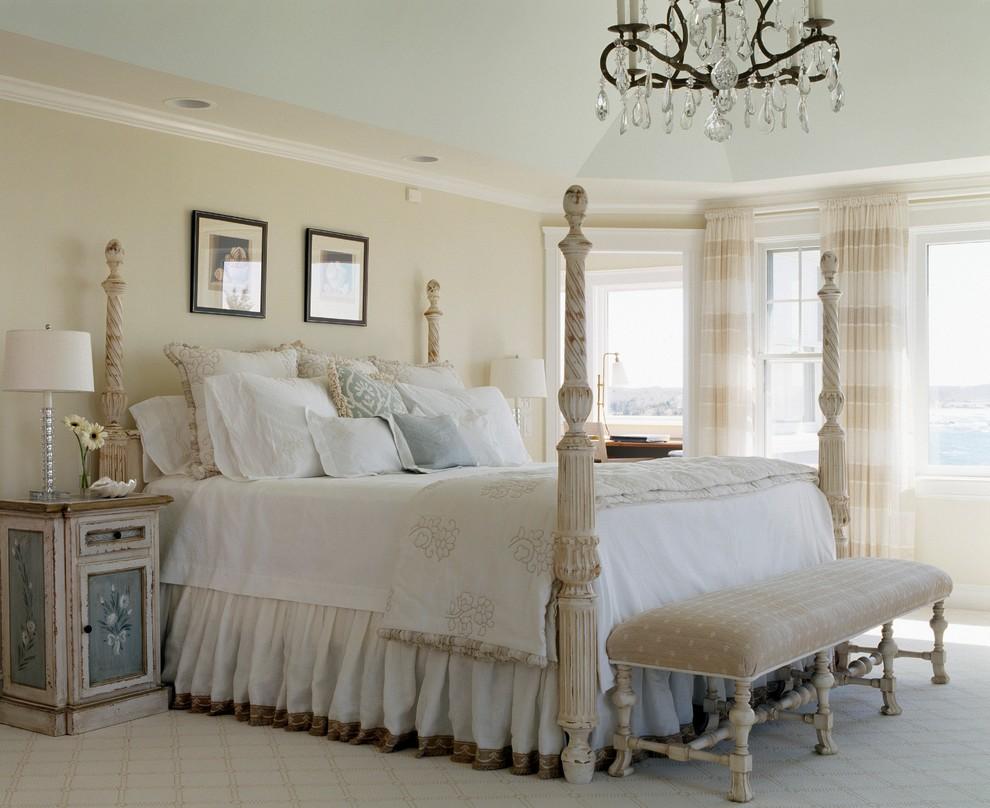 Роскошная кровать из натурального дерева