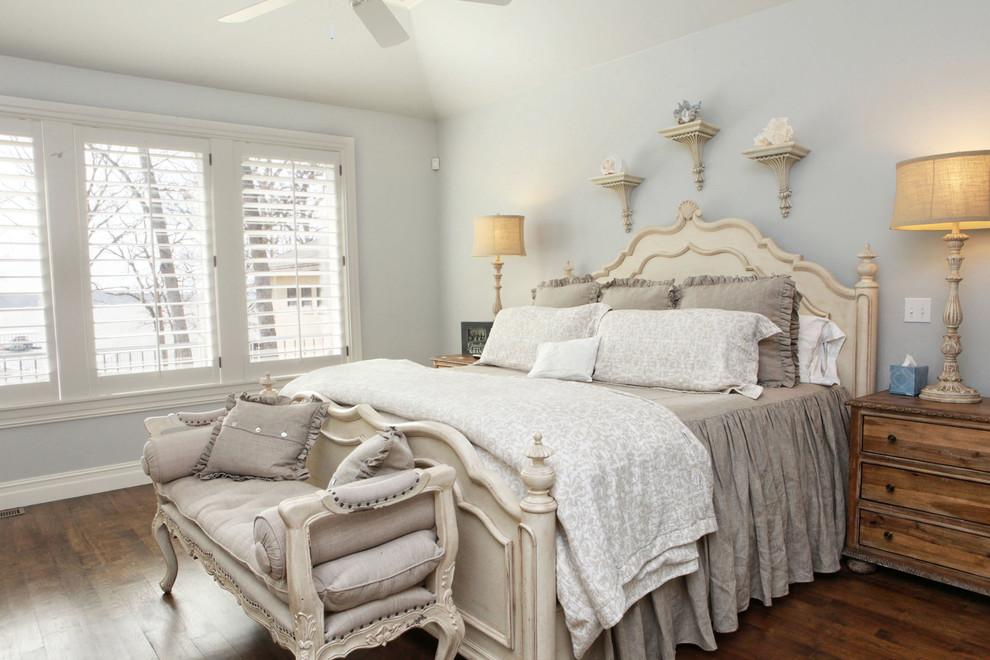Бежевый цвет - прекрасный вариант для оформления спальной комнаты