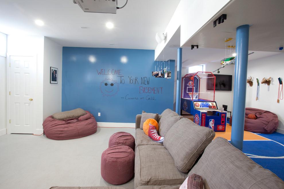 Целая стена для художественного творчества в детской комнате