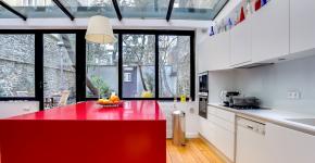 Кухни красного цвета: 70+ самых трендовых и сочных решений для тех, кто не боится экспериментировать фото
